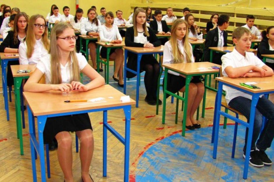 Kuratorium oświaty: nie mamy sygnałów o problemach w związku z egzaminem
