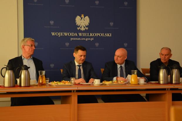 """""""Okrągły stół"""" u wojewody ws dworca (fot.poznan.uw.gov.pl)"""