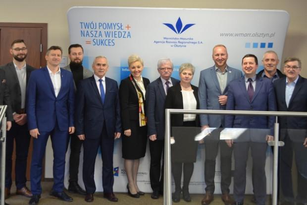 Przedstawiciele gmin jakie weszły do Stowarzyszenia Uzdrowisk Warmii i Mazur (fot.wmarr.olsztyn.pl