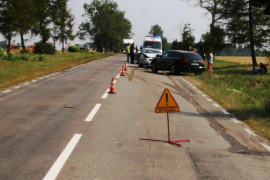 Śmiertelne potrącenie rowerzysty. DK40 koło Prudnika zablokowana