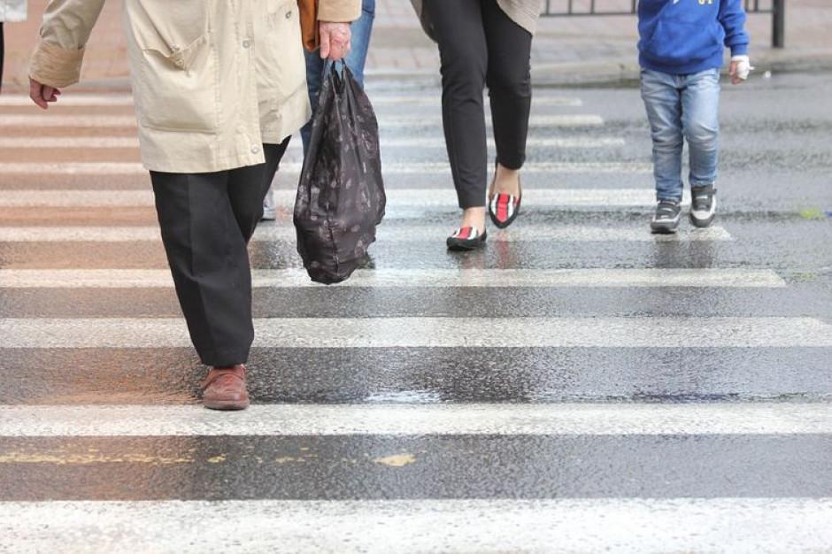 Bydgoszcz planuje doświetlić przejścia dla pieszych i przebudowę jezdni