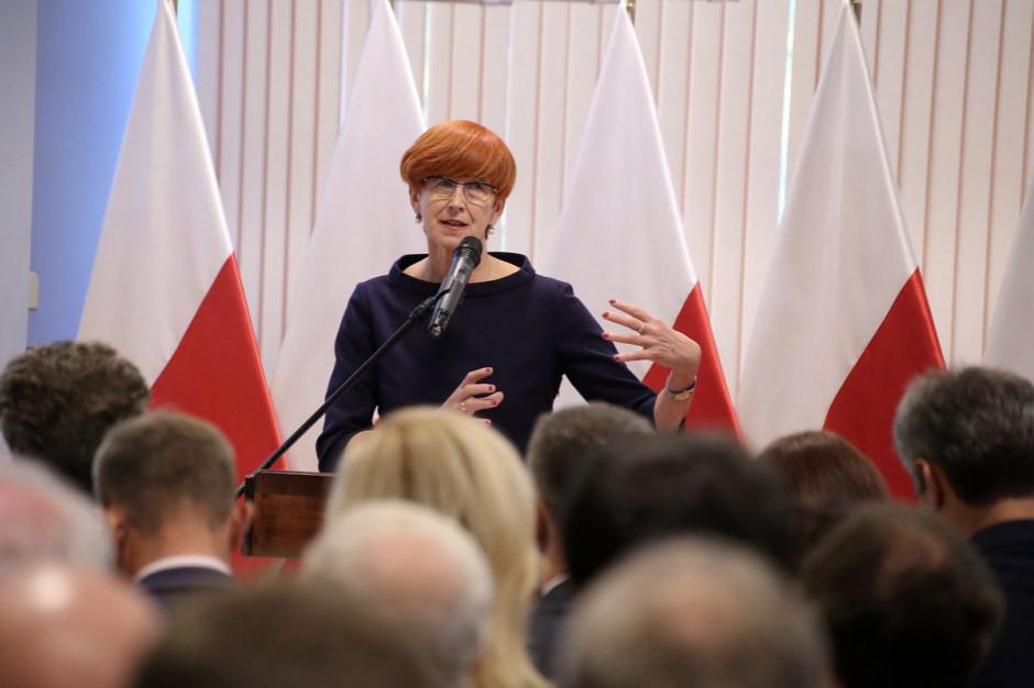 Elżbieta Rafalska: okrągły stół się odbędzie; zaproszenie jest aktualne