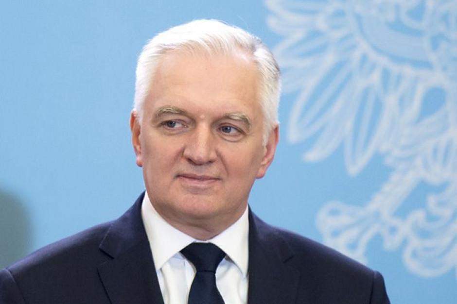 Jarosław Gowin: sfera budżetowa jest zbyt nisko opłacana