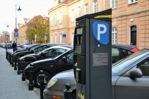 Aktywiści chcą droższego parkowania w Warszawie