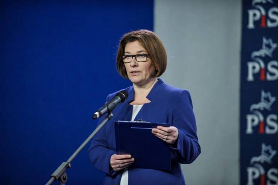 Nasza ustawa zabezpiecza wszystkich maturzystów - twierdzi Beata Mazurek