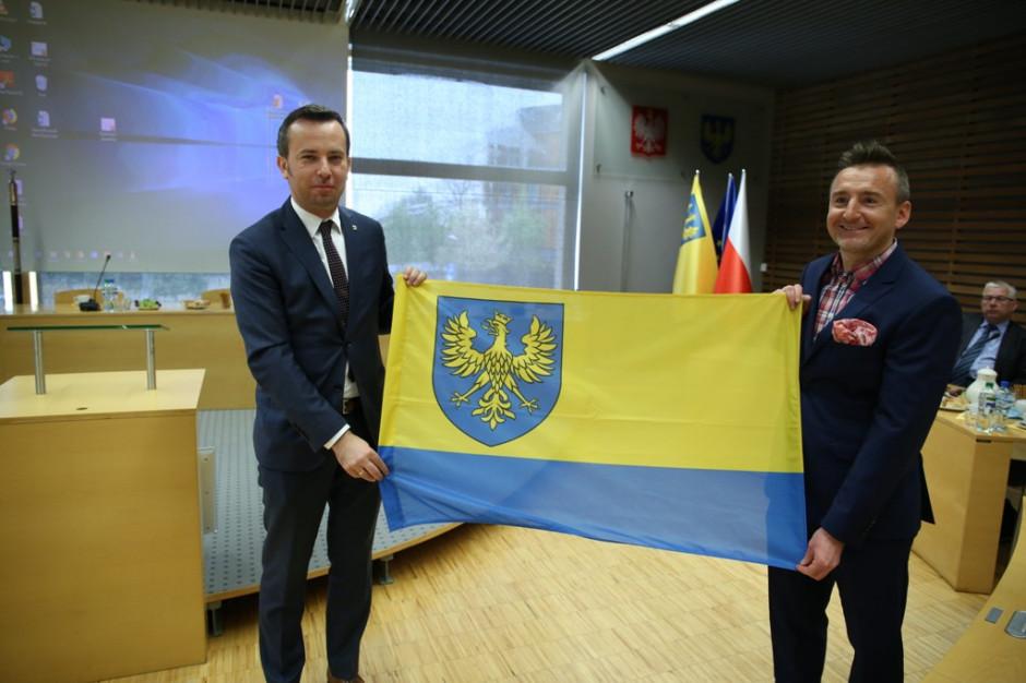 Flaga regionu ma łączyć mieszkańców