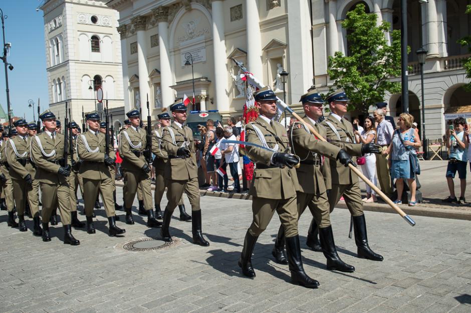 3 Maja w Warszawie defilada z udziałem Straży Marszałkowskiej