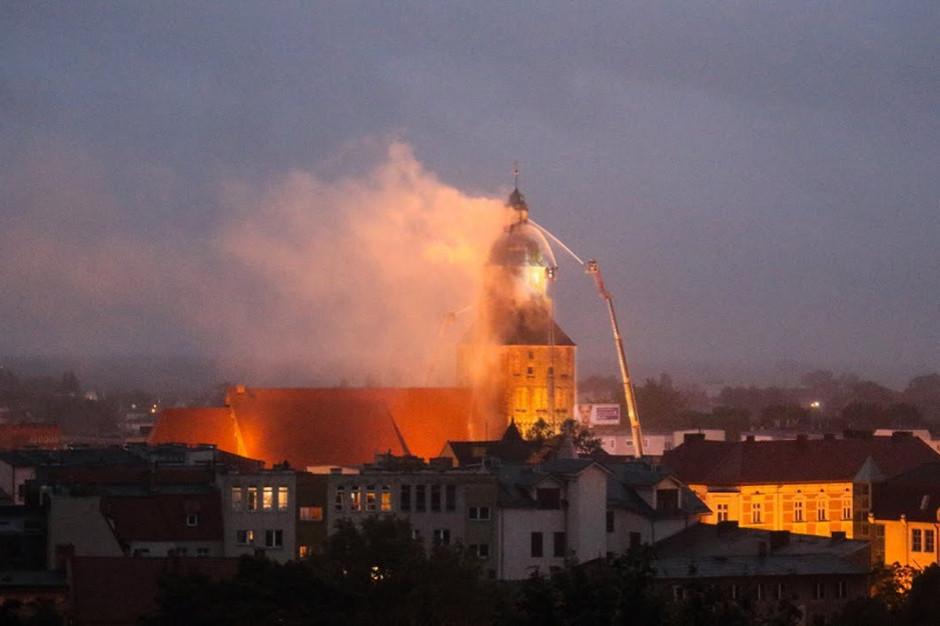 Akt oskarżenia ws. pożaru katedralnej wieży w Gorzowie Wielkopolskiej