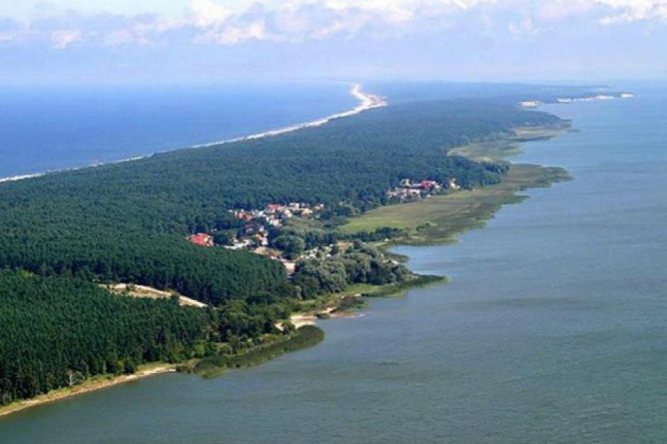 Kanału na Mierzei jeszcze nie ma, a już przyciąga turystów