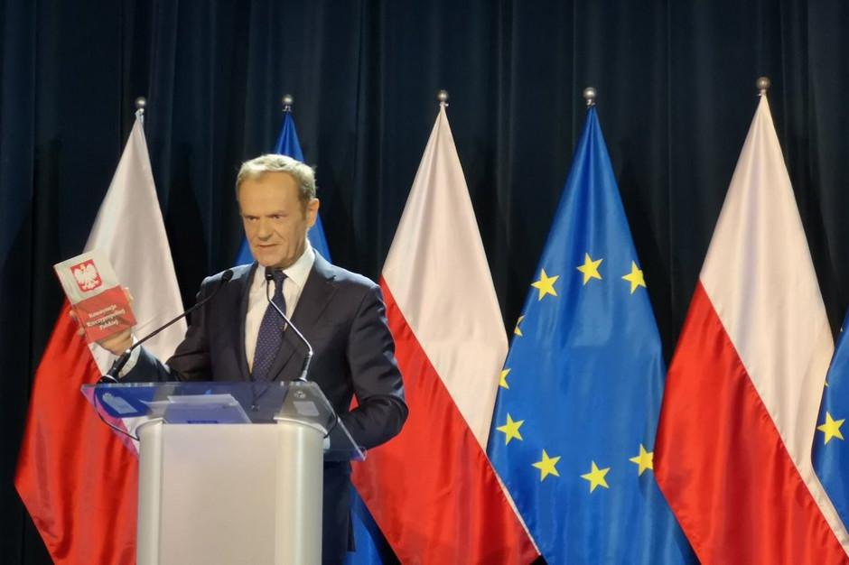 Wykład Tuska w Warszawie. Smog, rozwój nowych technologii, polityczne spory