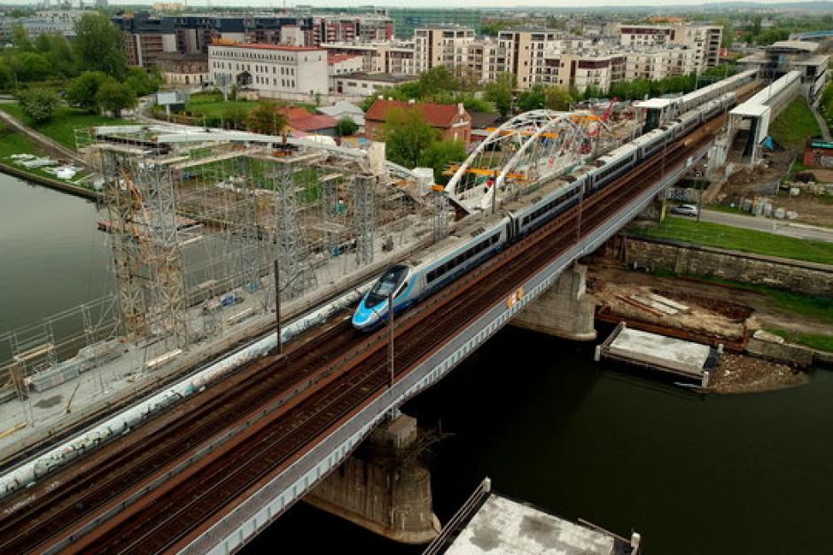 W Krakowie kończy się budowa pierwszego mostu kolejowego na Wiśle