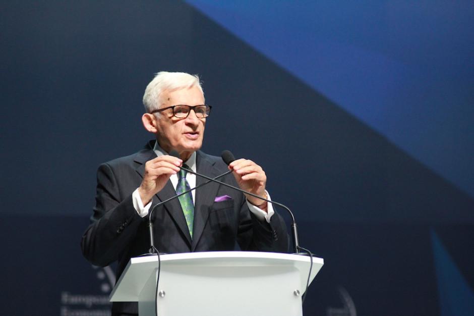 Jerzy Buzek: Nie ma lepszego obrońcy demokracji niż samorządy