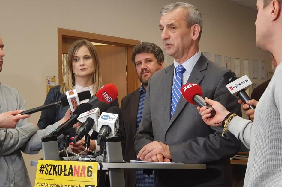 """Sławomir Broniarz: Wiele miast """"bardzo szczodrze"""" dokonuje potrąceń wynagrodzeń nauczycieli"""