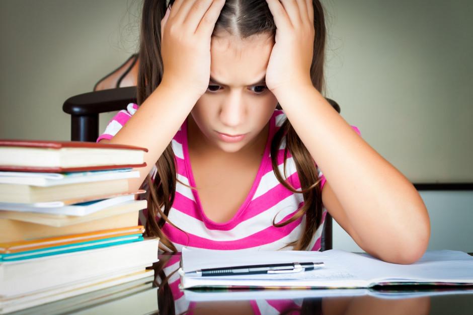 Biedroń: Reforma edukacji to bubel organizacyjny. Płacą za nią samorządy, rodzice i uczniowie