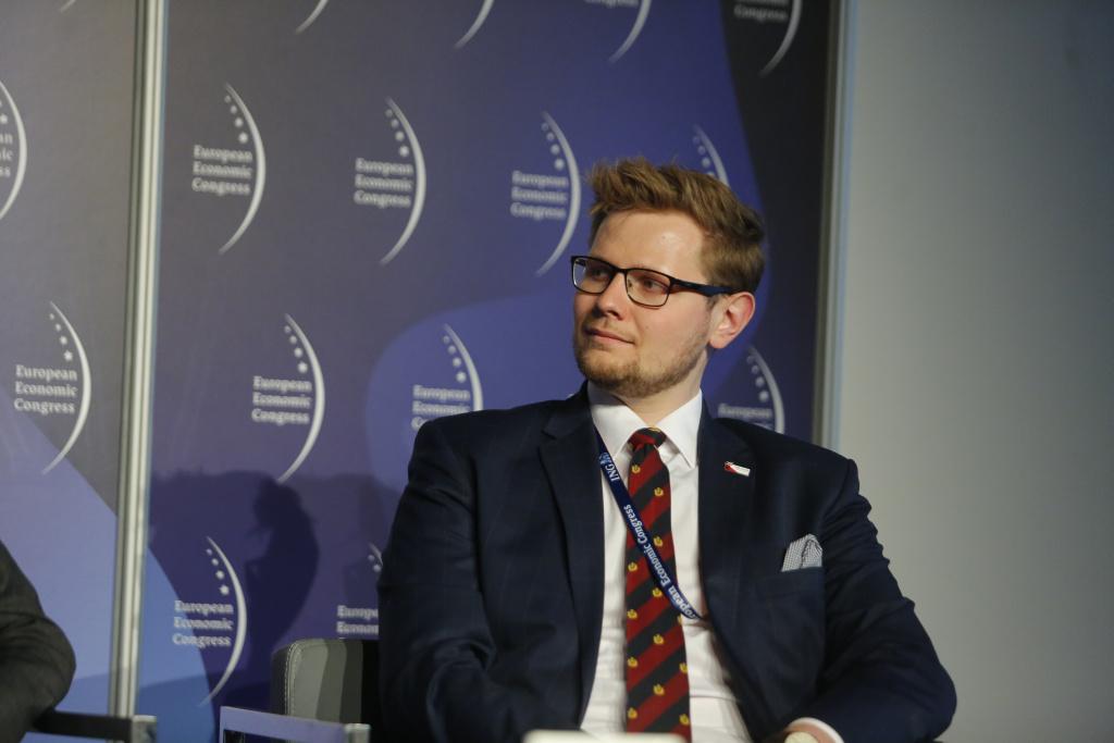 W walce z niską emisją nie możemy wprowadzać rozwiązań, nie biorąc jednocześnie pod uwagę stanu zamożności Polaków - uważa Michał Woś (fot. PTWP)