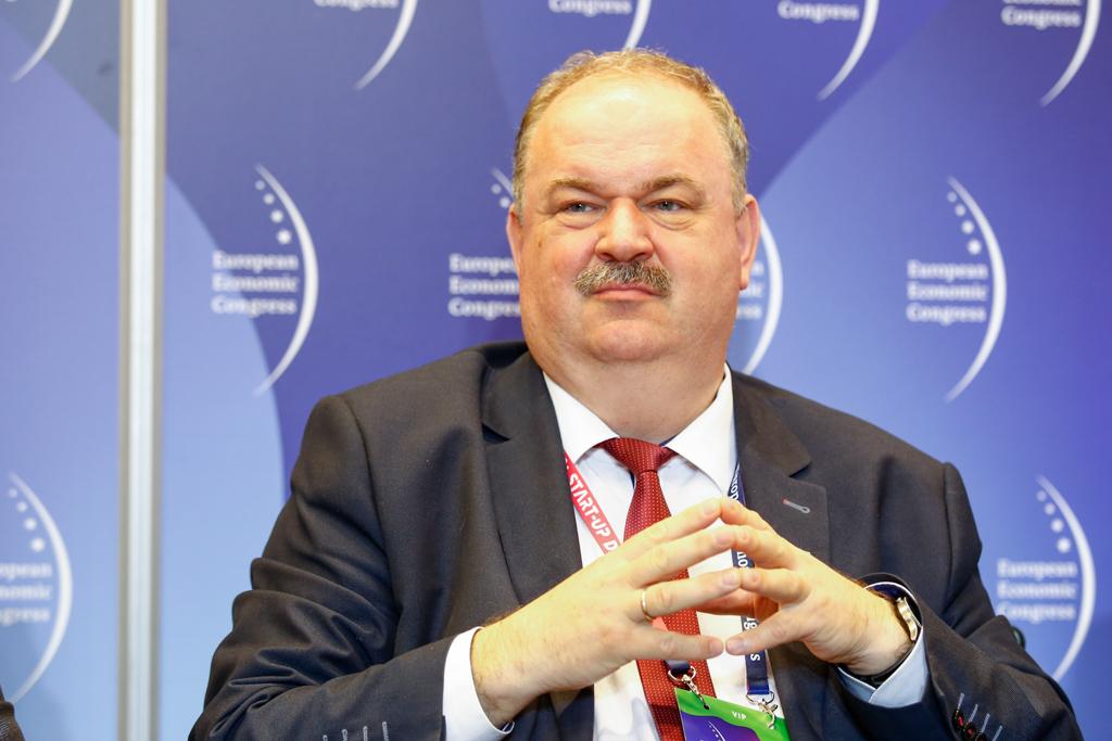 Zdaniem wicemarszałka województwa podkarpackiego Piotra Pilcha, należy mocniej podkreślać rolę radnych (fot. PTWP)