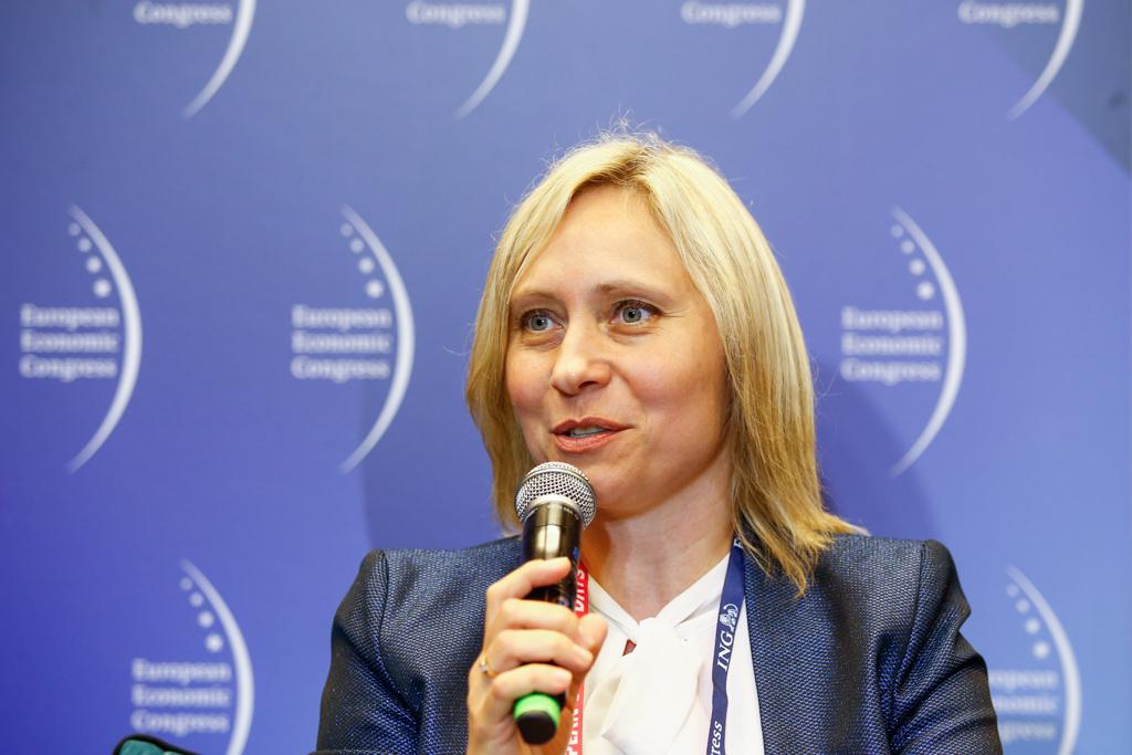 Według Małgorzaty Myśliwiec z Uniwersytetu Śląskiego, władza centralna musi zmienić sposób myślenia o samorządowych finansach (fot. PTWP)