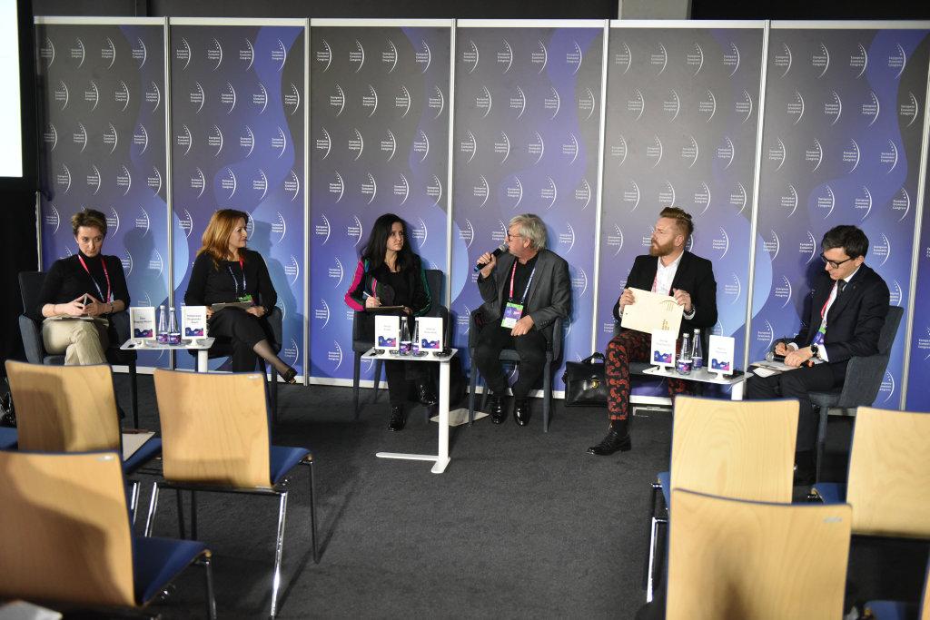 Moderatorem panelu był Marcin Poprawski z Instytutu Kulturoznawstwa na Uniwersytecie im. Adama Mickiewicza w Poznaniu (pierwszy z prawej)