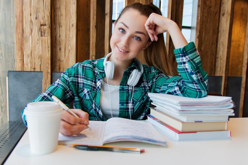 W warszawskich szkołach średnich brakuje ponad 7 tys. miejsc dla uczniów