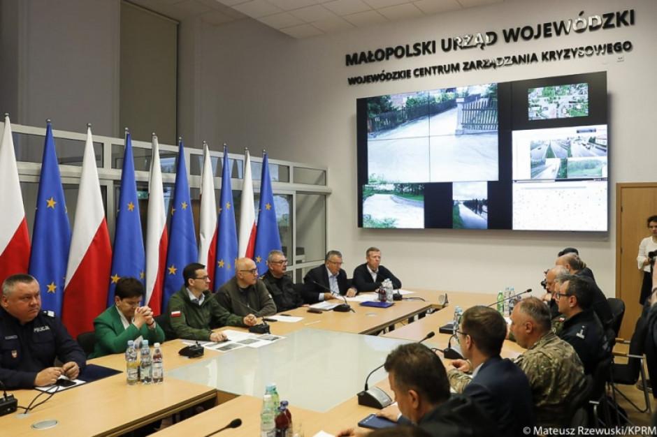 Premier Mateusz Morawiecki: Na bieżąco monitorujemy zagrożenie powodziowe