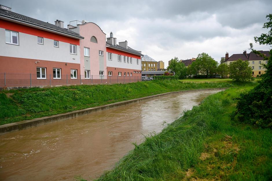 Małopolska: Ponad 3400 strażaków walczy ze skutkami ulew