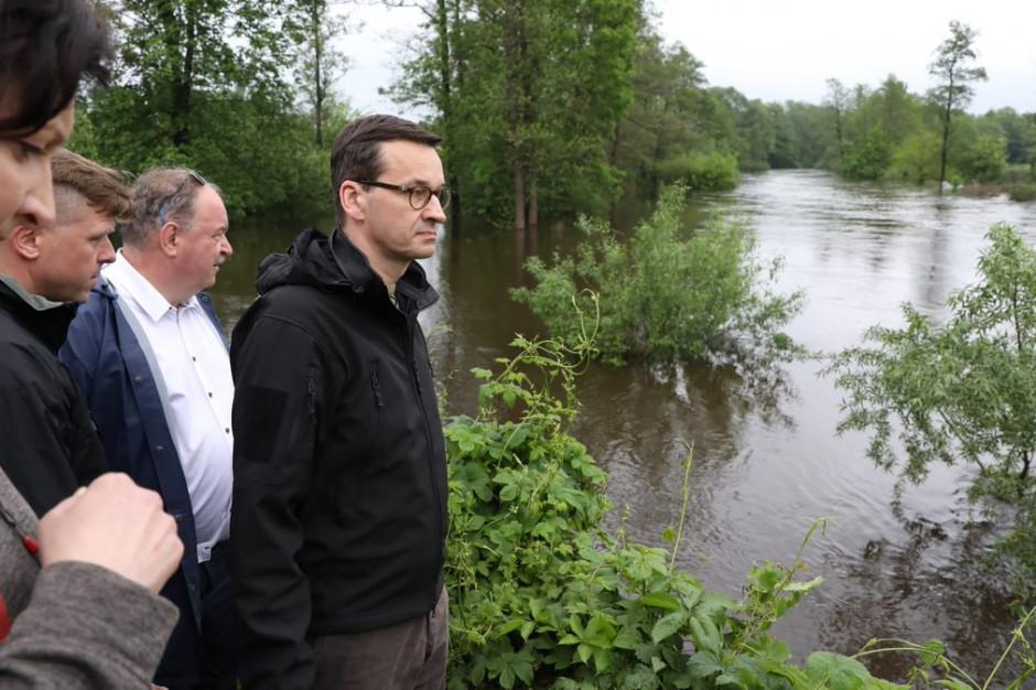 Południowa Polska wciąż walczy z wodą [na żywo]