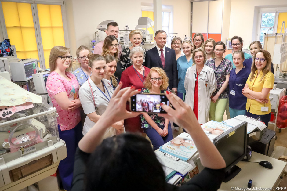 Krakowskie sześcioraczki miały wyjątkowych gości. Odwiedziła ich para prezydencka