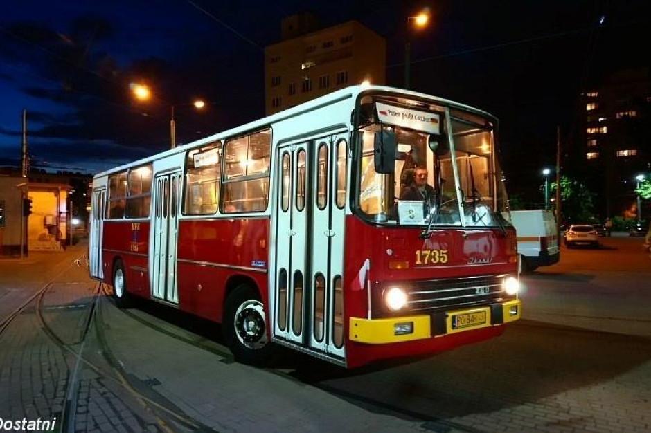 Poznań. W sobotę rusza nocna linia turystyczna z zabytkowymi autobusami