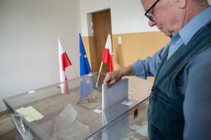 Gdzie głosowano na PiS, a gdzie na Koalicję? Mamy grafikę
