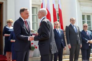 Andrzej Duda odznaczył zasłużonych samorządowców. Oto lista nagrodzonych