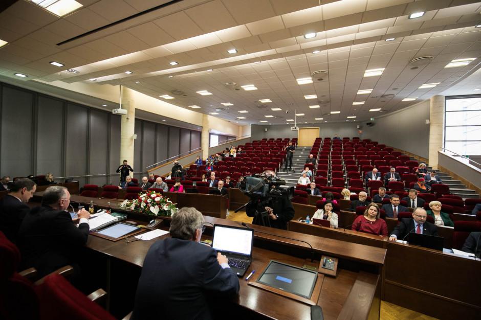 Sejmik województwa podkarpackiego przeciw promowaniu ideologii LGBT