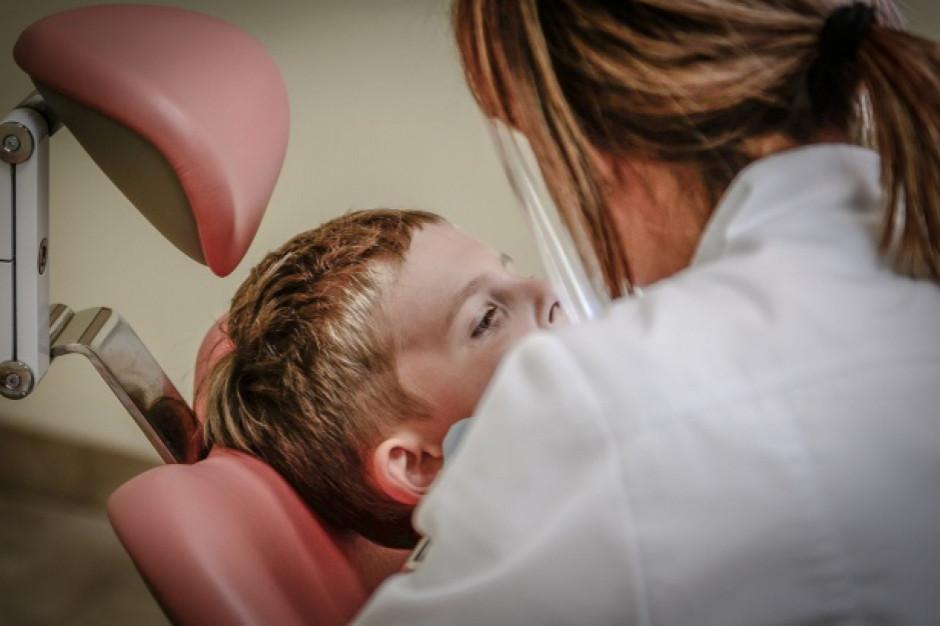 Ostrów Mazowiecka: Wójt stawia na dentystów w szkołach