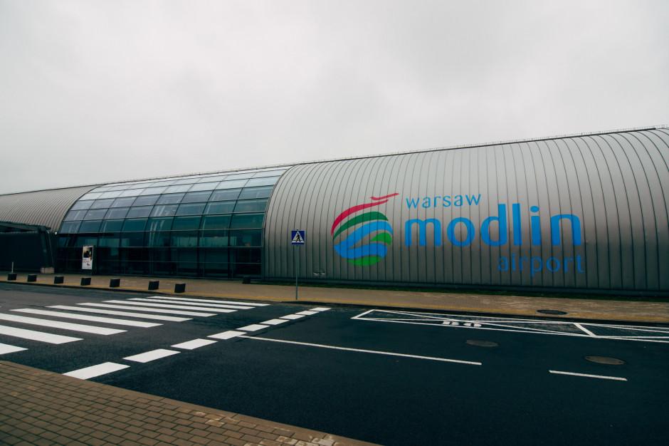 Lotnisko w Modlinie ze wzrostem obsłużonych pasażerów