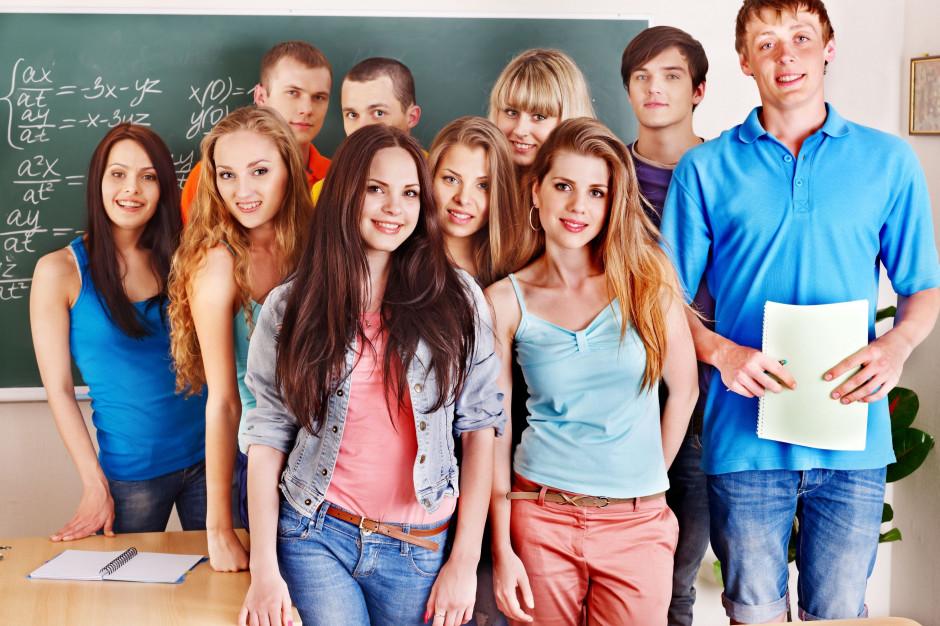 Dolnośląskie: Są miejsca dla podwójnego rocznika w szkołach średnich