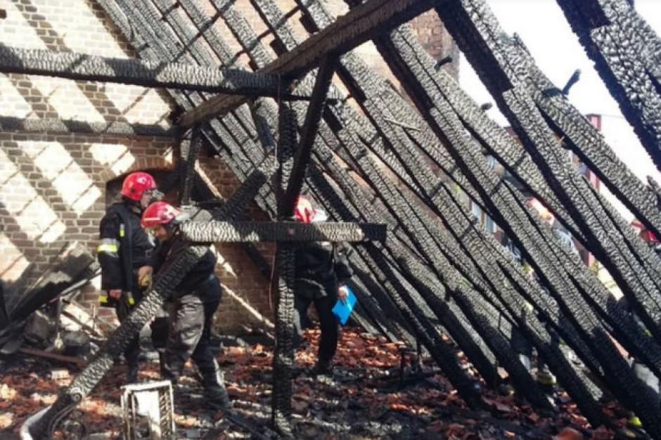 Gdańsk: spaliła się część konstrukcji dachowej kościoła św. Piotra i Pawła