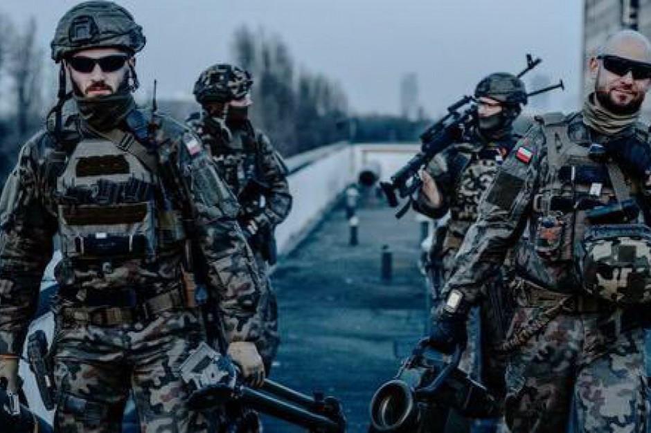 Podkarpackie: żołnierze i funkcjonariusze ćwiczyli akcję ratunkową po rozbiciu samolotu