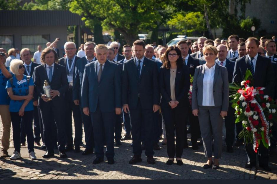 Samorządowcy tłumnie w Gdańsku na obchodach 30-lecia wolnych wyborów [ZDJĘCIA]