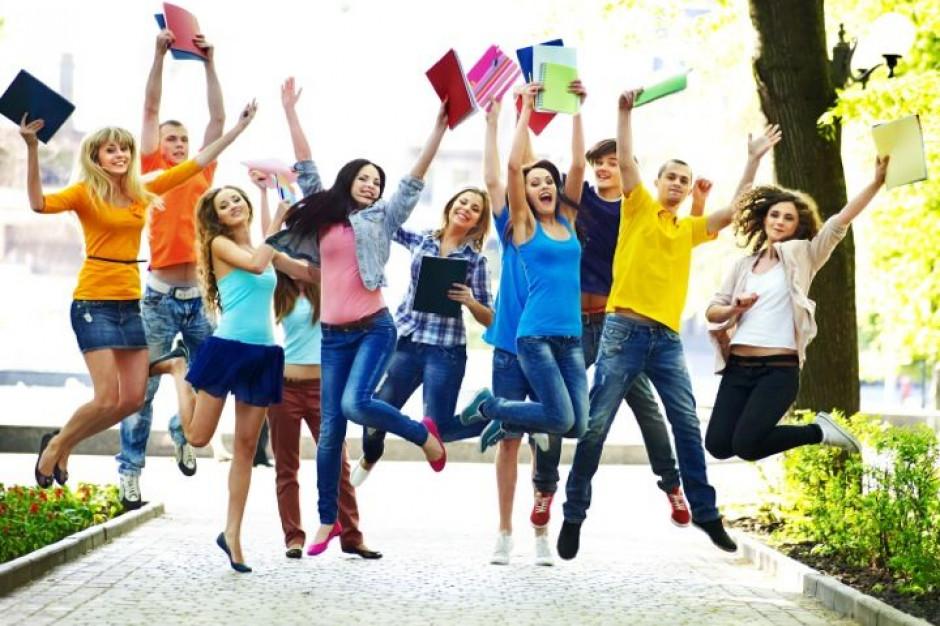 Szkoła średnia: Jak wybrać najlepszą szkołę? Rankingi to nie wszystko