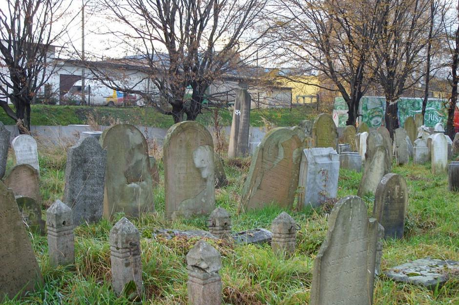 Żywiec: Zabytkowy cmentarz żydowski zostanie uporządkowany