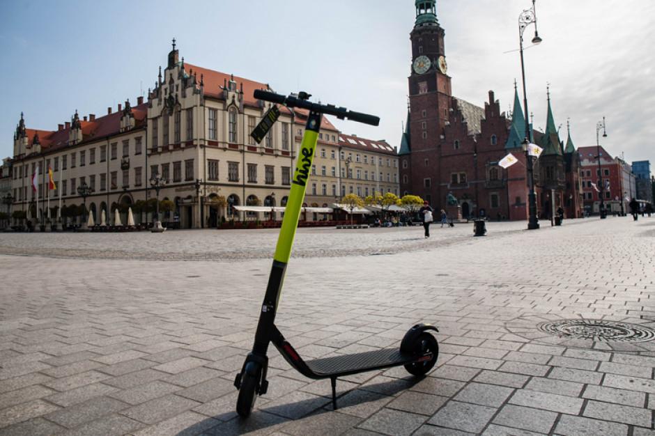 Hulajnogi elektryczne jak rowery. Będzie ograniczenie prędkości