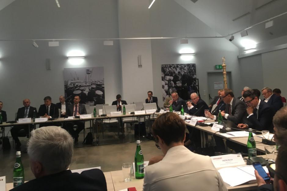Naukowcy o postulatach samorządów: decentralizacja Polski to nie jest rozbicie dzielnicowe