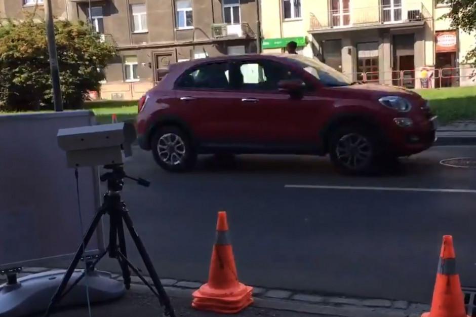 Na ulicach Krakowa ruszyły pomiary rzeczywistej emisji spalin pojazdów