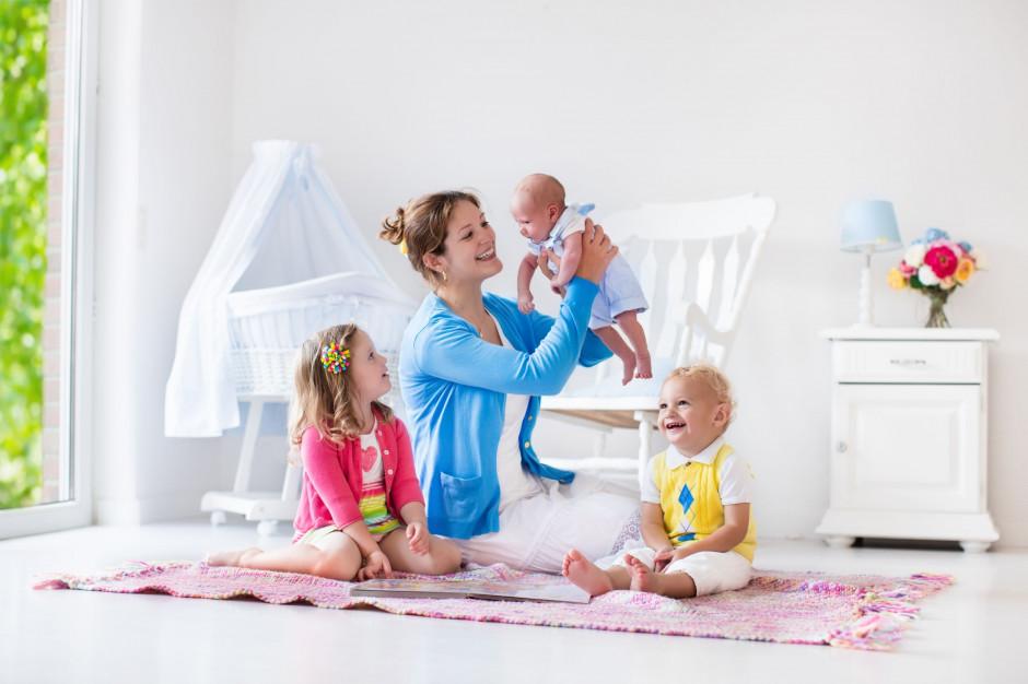 500 plus na pierwsze dziecko. Kiedy i jak składać wnioski?