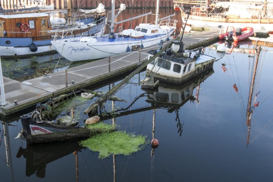 Gdańsk: wrak w marinie będzie wydobyty z wody na koszt Brytyjczyka