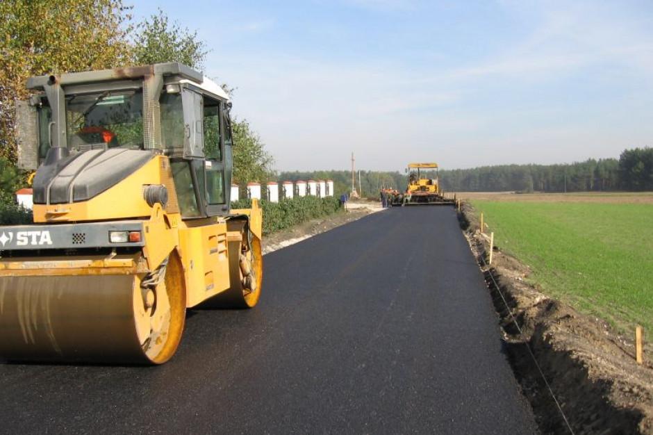 Ministerstwo usprawni lokalne inwestycje drogowe na wsi