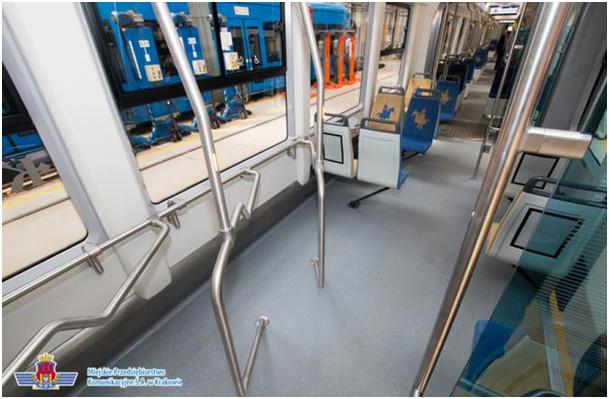 Poręcze do przewozu rowerów w tramwaju PESA