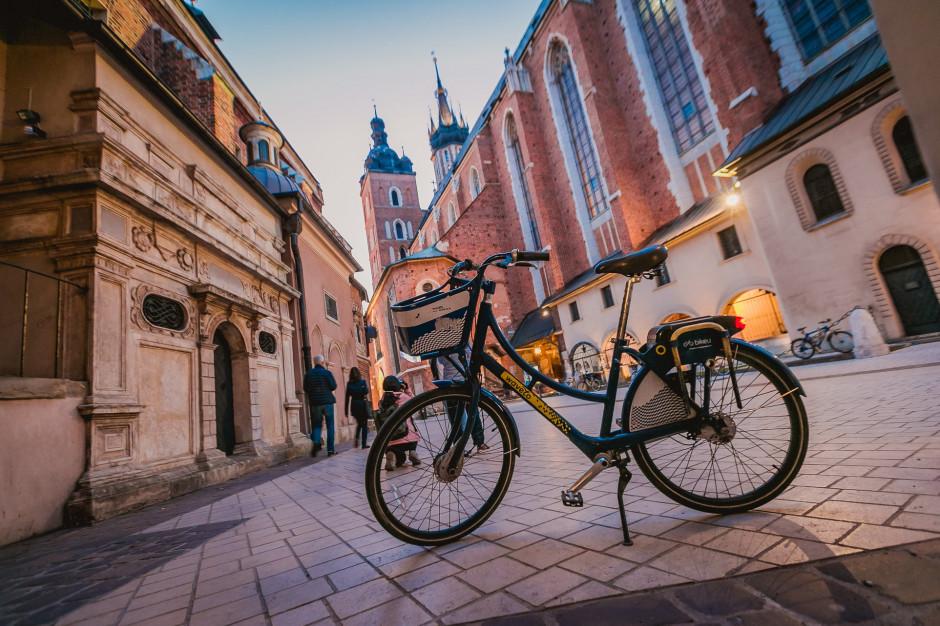 Krakowianie coraz chętniej jeżdżą rowerami