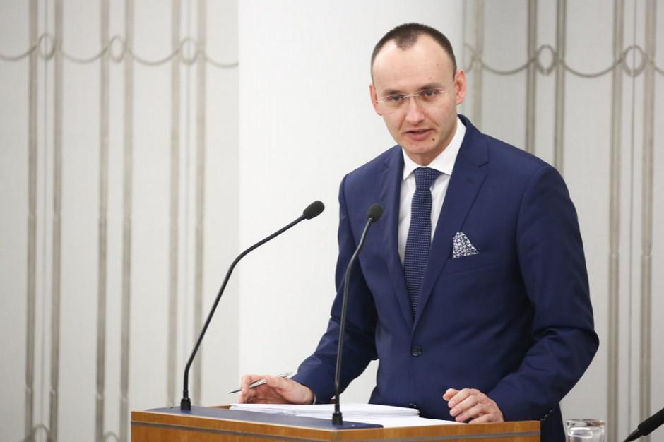 Mikołaj Pawlak: Nie ma mowy o obowiązkowej seksualizacji dzieci w szkołach