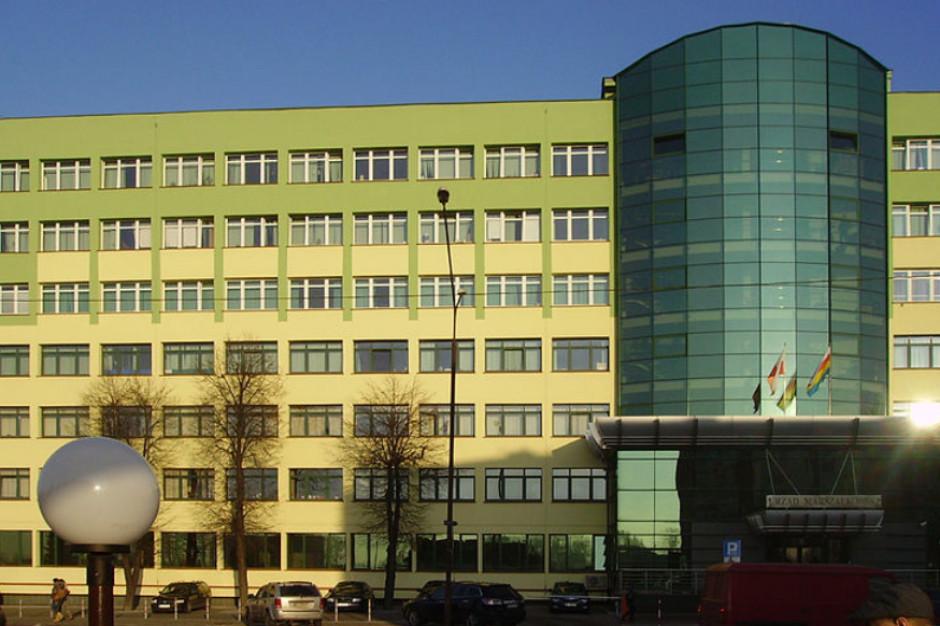 Zarząd województwa podlaskiego nie uzyskał wotum zaufania od sejmiku. Zabrakło jednego głosu