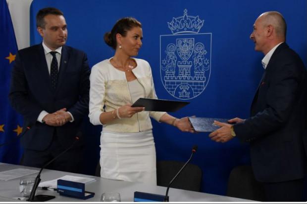 Podpisanie umowy odbyło się 19 czerwca (fot. UM Poznań)